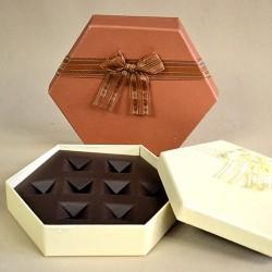 Bonbonos doboz 8 darabos barna, ekrű színben